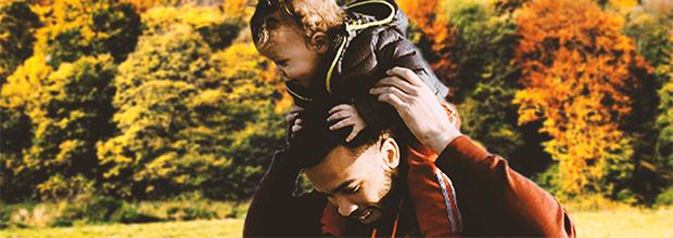 Père profitant de son congé paternité